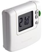 Электронный комнатный термостат с ЖК дисплеем фото