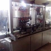 Линия розлива газированной минеральной воды в стекл. бутылку 0,5 л. Производительность: - 4000 б./час.Новая. Срочно продается. фото