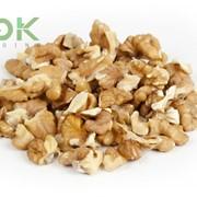 Walnut kernel 1/4 quarters (Грецкий орех очищенный 1/4 четвертинки) фото