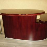 """Стол офисный (2-х уровневая столешница, возможно правое или левое расположение """"крыла"""") фото"""