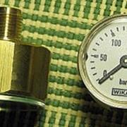 Приборы измерительные - манометры, водомеры. фотография