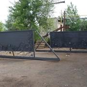 Ворота фасадные, откатные и распашные фото