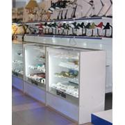 Прилавки торговые для одежды и обуви, продуктов питания, сумочные фото