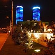 Оформление рекламное световое. оформление фасадов подсветкой. Монтаж фото