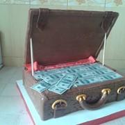 Торт Чемодан с деньгами фото