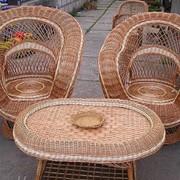 Комплект плетеной мебели фото