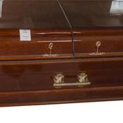 Гроб с двойной крышкой. фото