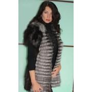 Меховый жилет из чернобурки цельные полосы, меховая жилетка из чернобурки фото