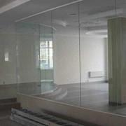 Офисные перегородки стеклянные. фото