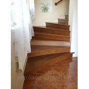 Отделка деревом бетонных лестниц фото