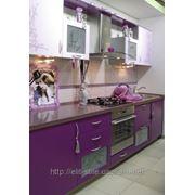 Фотография кухни с рисунком на фасаде фото