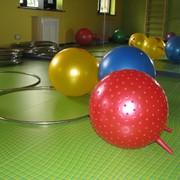 Центр раннего развития детей Ползунки: Гимнастика, фитбол для малышей, Пальчиковые и жестовые игры для развития мелкой и общей моторики, Музыкальные занятия, Изо для малышей-первый след, Игры для общего развития интеллектуальной и эмоциональной сфер. фото