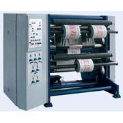 Бобинорезальная машина ПР-1300 для продольной резки рулонов полимерной пленки бумаги ламинированных изделий алюминиевой фольги с последующей намоткой в рулоны (бобины). Макс. ширина рулона – 1300 мм. фото