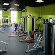 Тренажерный зал с большим количеством программ фото