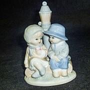 Сувенир мальчик и девочка керамика 1шт. P277 9,5х13см фото