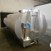Танк охладитель молока Б/У Mueller 12000 закрытого типа объемом 12000 литров. Холодильник для молока. фото