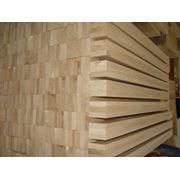 Брус оцилиндрованный. Оцилиндрованная древесина. Круглые лесоматериалы. Дерево пиломатериалы. фото