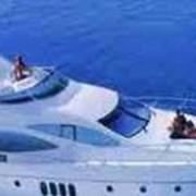 Шпонирование салонов яхт и катеров под заказ. фото