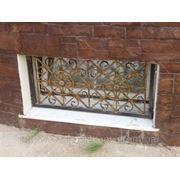 Решетки на окна кованые ROK-0007 фото