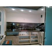 Стеклянный кухонный фартук город купить в Севастополе