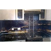 Стеклянный кухонный фартук ночной город купить в Симферополе фото