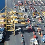 """Морские контейнерные перевозки по всему миру, в т.ч. Китай и Турция. Таможенная очистка груза. Внутрипортовое экспедирование. Транспортировка груза """"от двери до двери"""" в любой точке мира. фото"""
