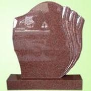 Памятники из красного гранита фото