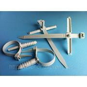 Стяжки WAVE, хомуты, зажимы, скобы, клипсы, заклёпки, шпильки, гроверы, шайбы, обоймы, крюки, кронштейны, монтажные материалы. ISO 9001 фото