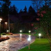 Освещение дорожек в саду фото