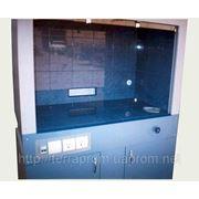 Шкаф вытяжной лабораторный фотография