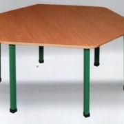 Стол шестиугольный на металлической основе (Пластик, ламинат, шпонирование)