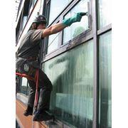 Мойка фасадов зданий мытье балконов и лоджий мытье фасада клининг фото