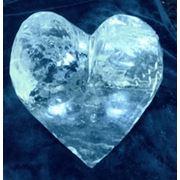Ледяное сердце запоминающееся оформление праздника для влюбленных. фото