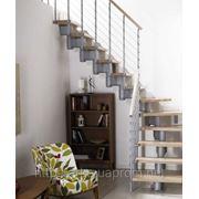 Лестница маршевая Arke Komoda 89. Лестницы з бука фото