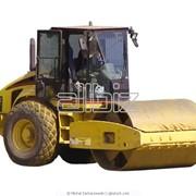 Каток дорожно-строительный фото