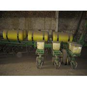 Подбор и установка оборудование для внесения жидких минеральных удобрений сеялками фото