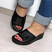 """Модные женские черные шлепанцы кожаные """"Givаnchy"""" фото"""