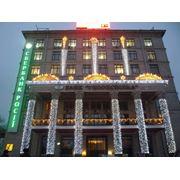 Обустройство наружного освещения зданий. фото