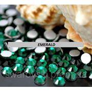 Стразы ДМС Emerald ss5(1,8мм).Цена за 100шт фото