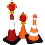 Конус дорожный сигнальный фото