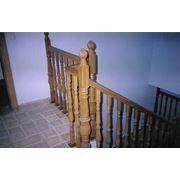 Лестницы деревянные с резными элементами ( столбы ограждения) Киев индивидуально под запросы заказчика фото