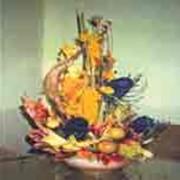 Композиции из сухоцветов, экзотов, консервированных и искусственных растений фото