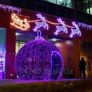Оформление на Новый год: оформляем фасады здания, вешаем баннера, мишуру. фото