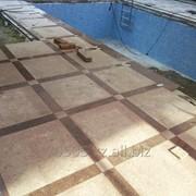 Кладка брусчатки, тротуарной плитки. фото