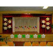 Оформление школьного зала шарами. фото