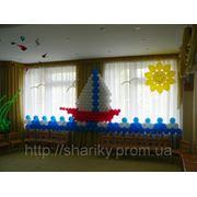 Панно из воздушных шаров на детском празднике. фото