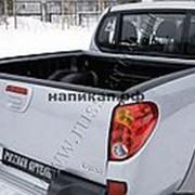Накладки на борта + скотч 3м Mitsubishi L200 Double Cab 2006-2013 фото