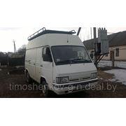 Микроавтобус «Ниссан-Трейд» 100, фото