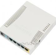Беспроводной роутер MikroTik RB951Ui-2HND (N300, 600MHz/128Mb, 5х100Мбит, 1хUSB, 1000mW, PoE in, PoE out, антенна 2,5 дБи), код 52228 фото