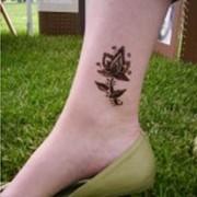 Татуировки хной по низким ценам в Киеве и области, роспись хной с художественными узорами, временные татуировки хной, современные татуировки для праздничных дней, продажа материалов для татуировок и росписи хной фото
